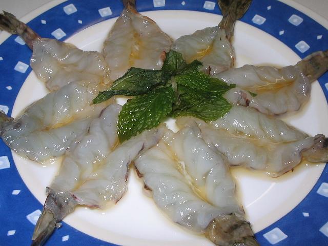 กุ้งแช่น้ำปลา ( แกล้มเบียร์เย็นๆ )
