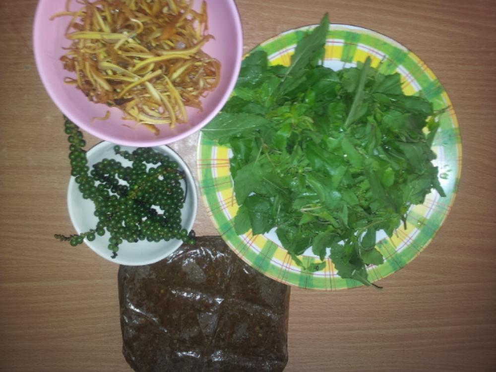 ผัดเผ็ดปลาอินทรีพริกแกงเมืองจัน