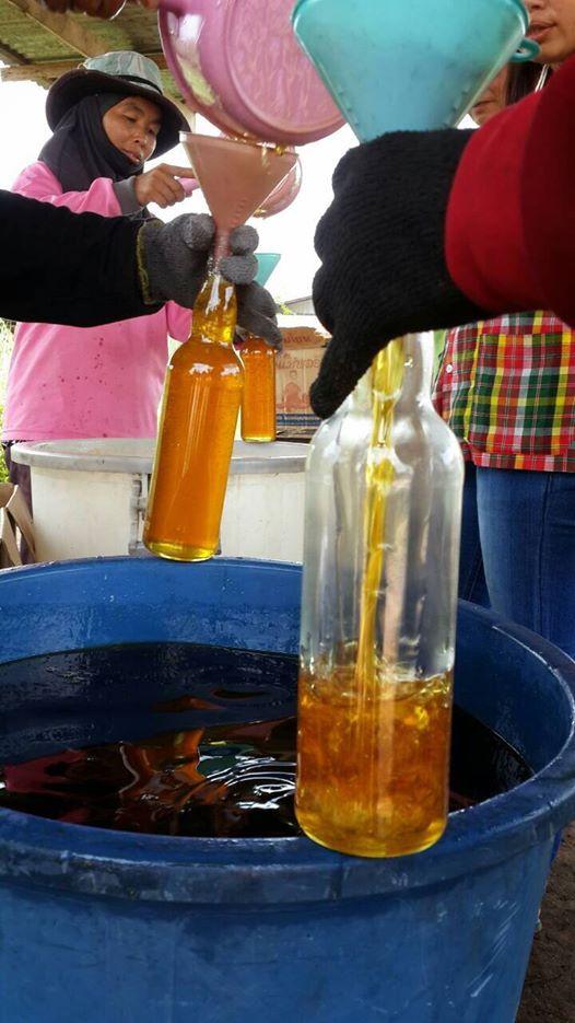 น้ำผึ้งแท้ครับ อย่าต่อราคาเลย ช่วงนี้น้ำตาลแพง