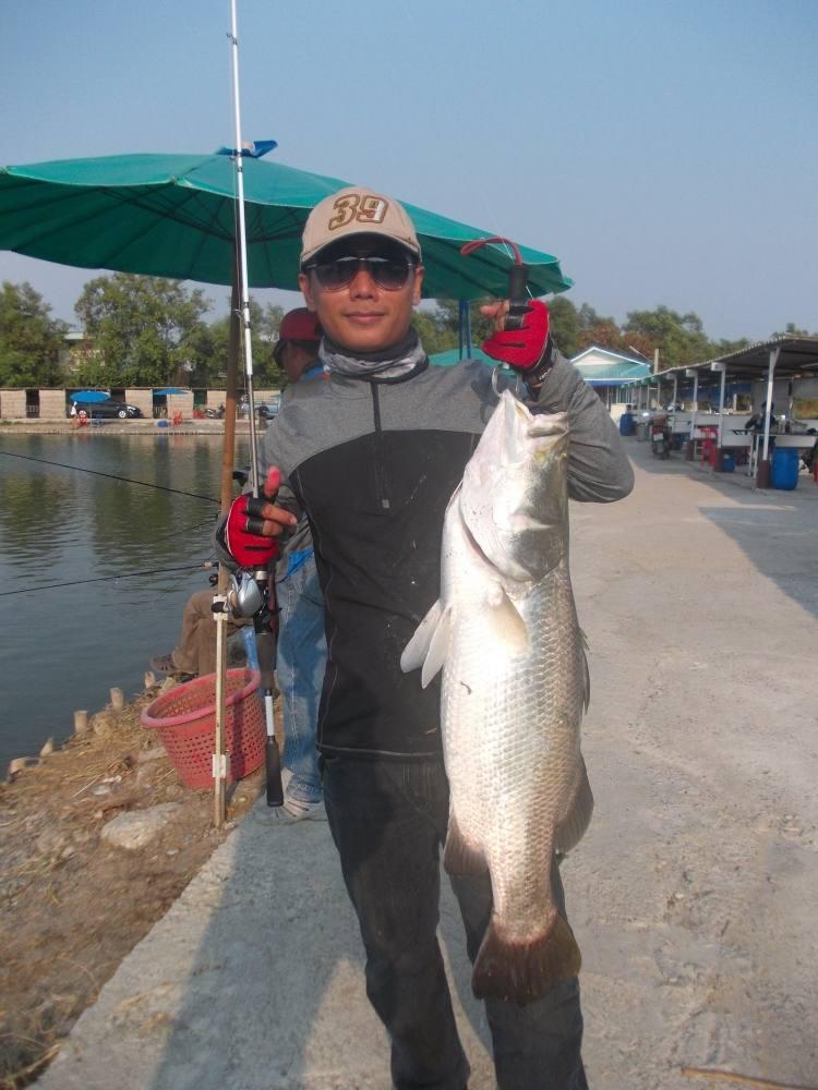 นานๆที ของสมาชิกชาว เเก๊งค์ Kon - Rim - Thang Fishing Gang ที่บ่อ VIP
