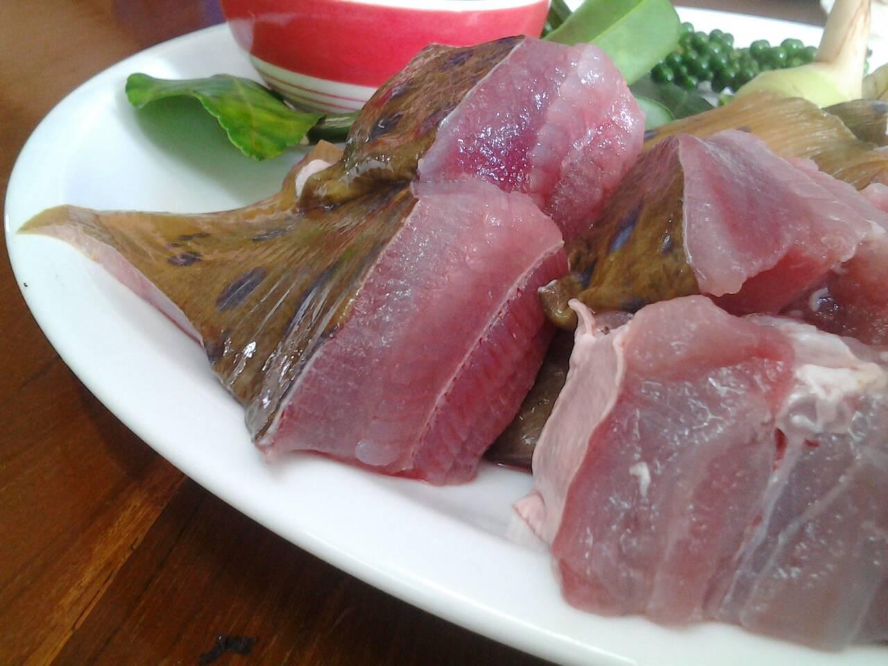 แกงคั่วปลากระเบนใส่ขาอ่อน
