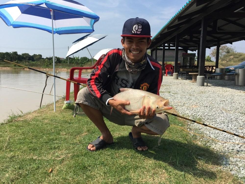 บ่อตกปลาเปิดใหม่ชลบุรี บ่อตกปลาJN Fishing