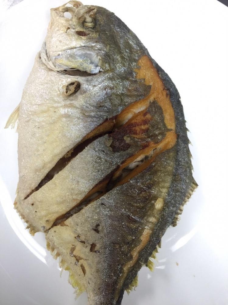 ปลาจาระเม็ดผัดขึ้นฉ่าย