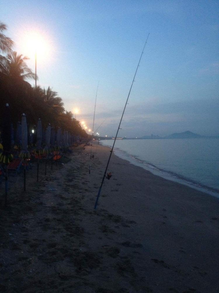 นั่งเล่นชายหาด