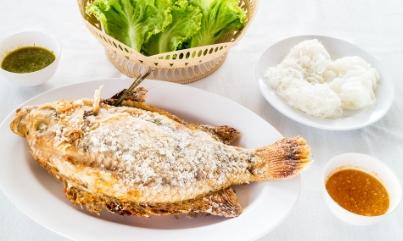 เมี่ยงปลาเผาพร้อมน้ำจิ้ม2สูตรสุดแซป
