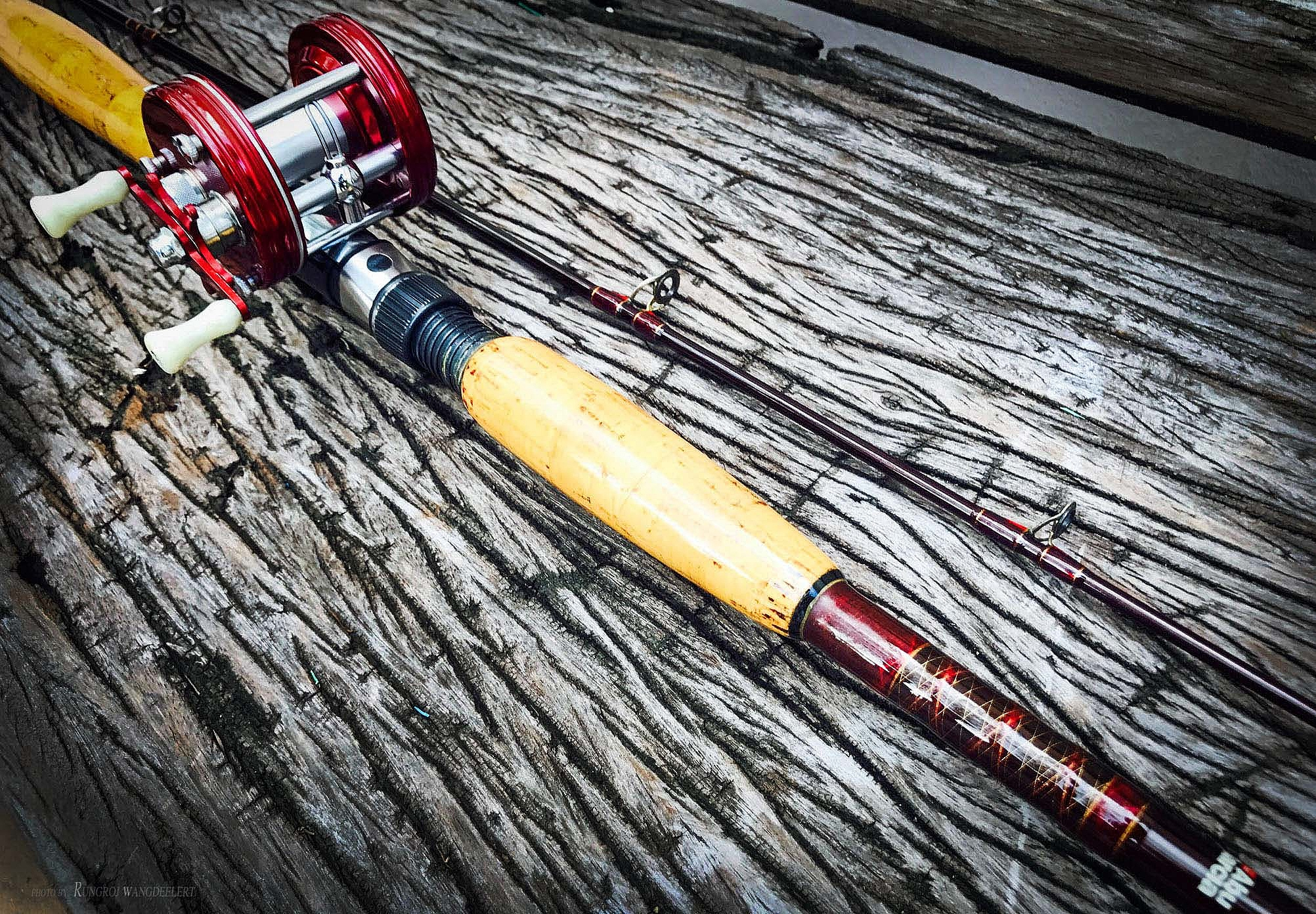 #Abu Ultra Cast Bait 10' First model Gold guide Rod.
