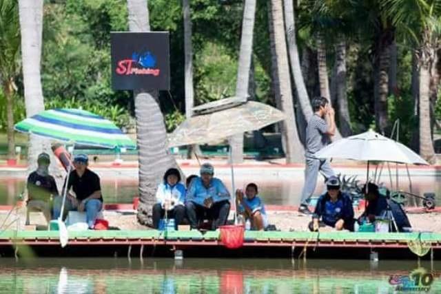 น้องพริ้ง ทีมตั๋ง ปักธงชัย ครั้งแรกที่เข้าแข่งขันการตกปลาเกล็ด