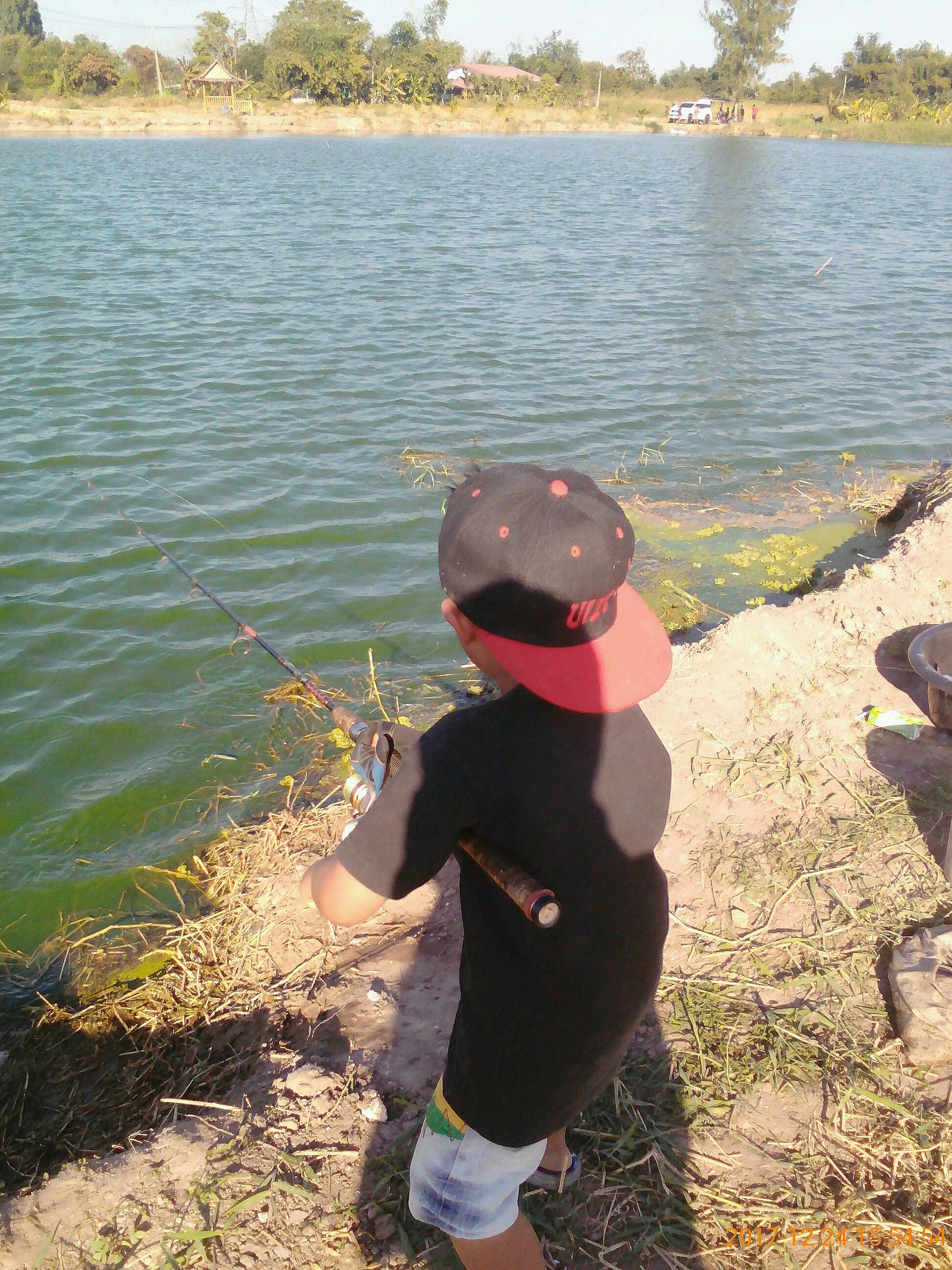 ว่างพาลูกไปตกปลาครับน้า