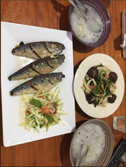 ข้าวต้มกับปลาทอด