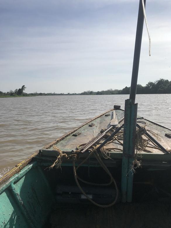 หาปลากับข้าว แม่น้ำบางปะกง