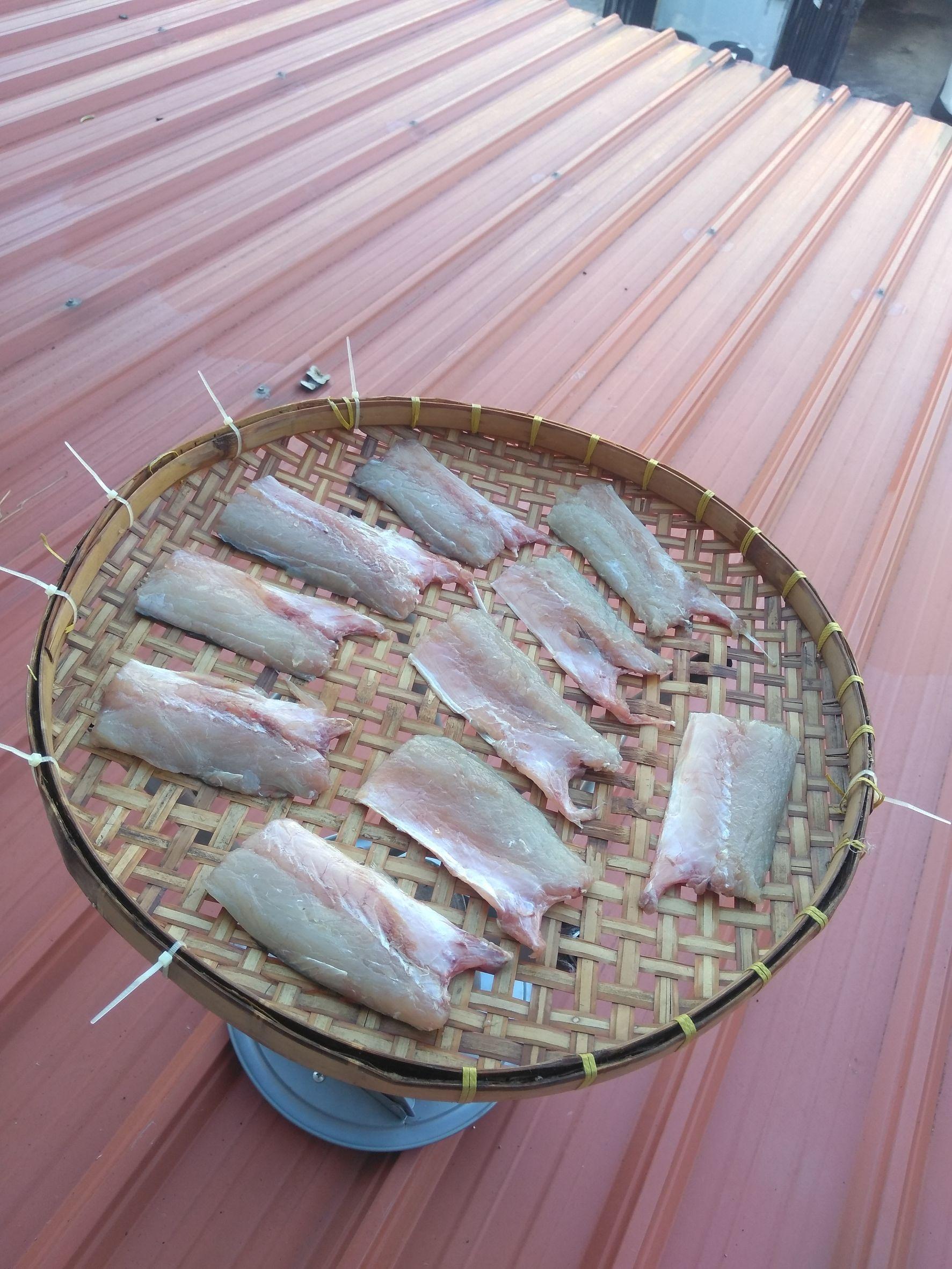 ปลาสากแดดเดียว ควบ ลูกชิ้นปลา(นวลจันทร์ทะเล)