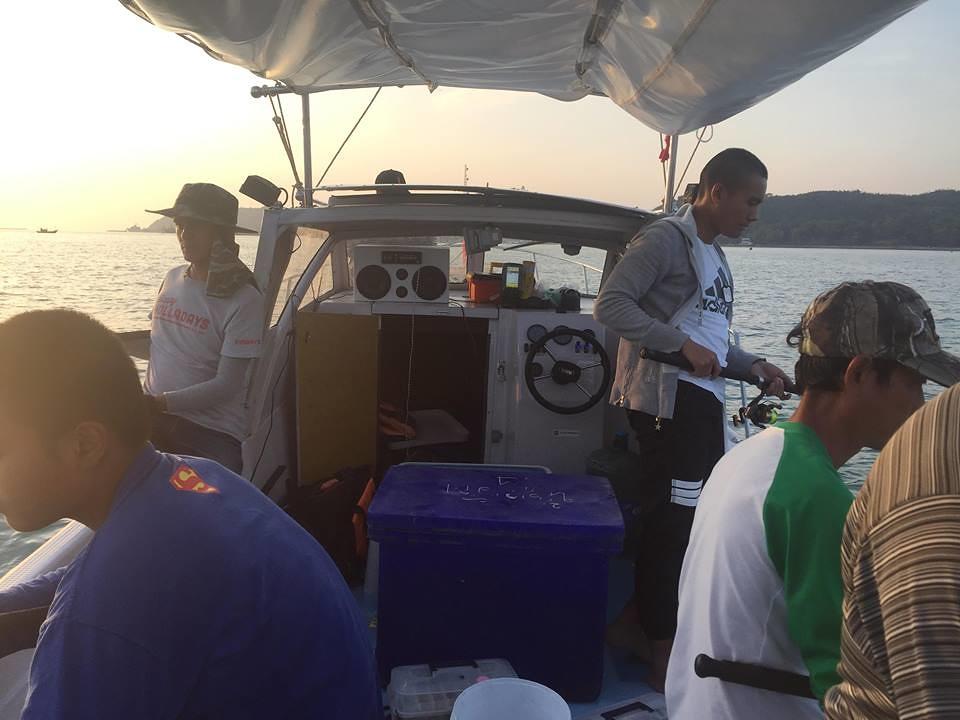 เรือสปีดโบ๊ทตกปลาอ่าวสัตหีบ