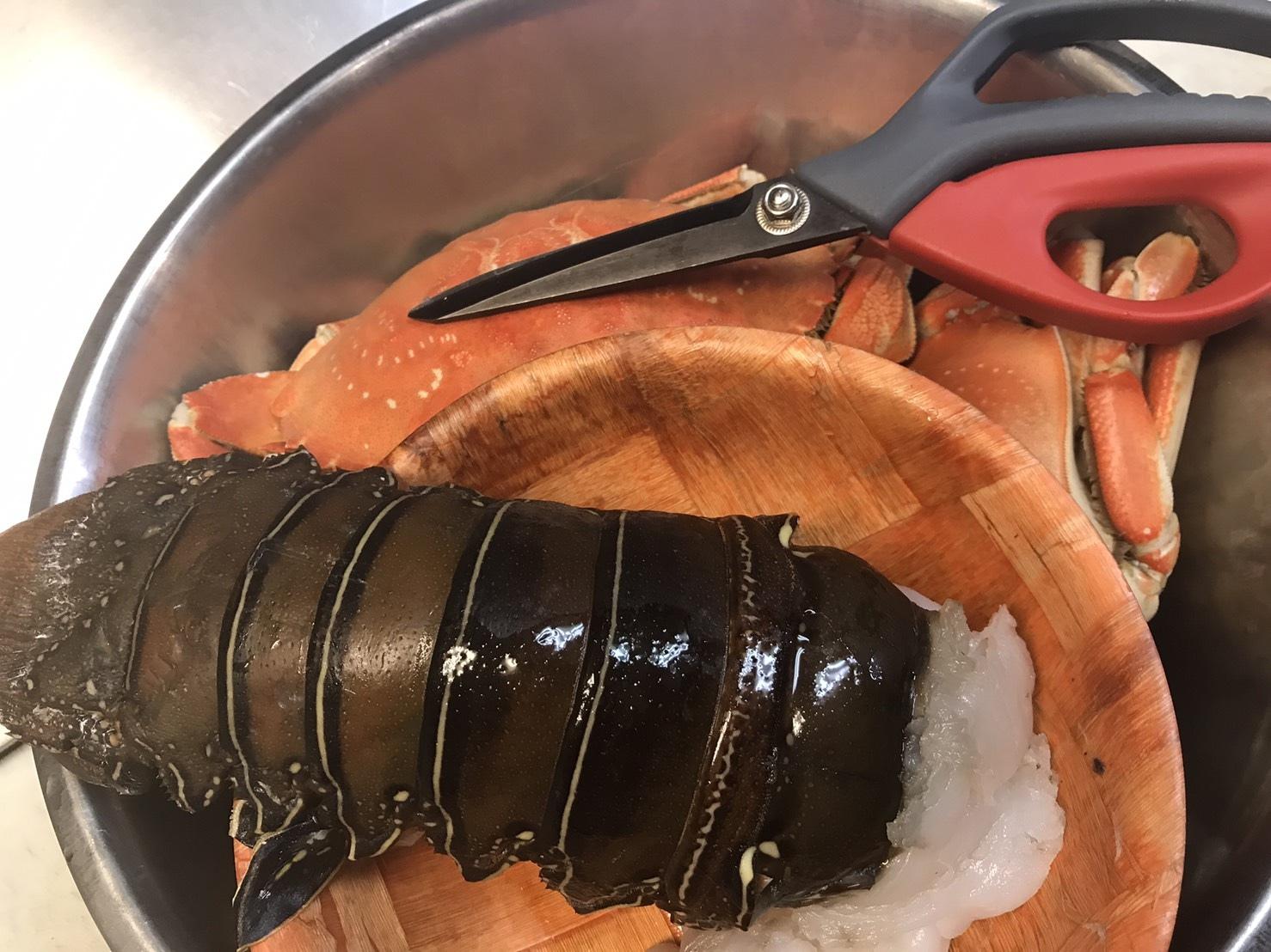 กุ้งมังกรผัดกระเพรา