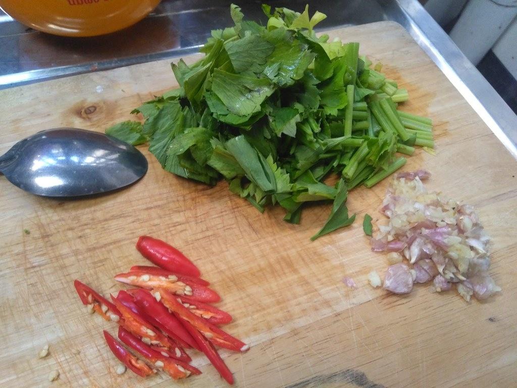 เมนูปลาหางกิ่ว จากแม่น้ำบางปะกง